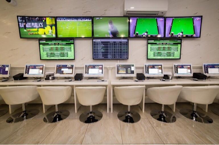 Открытие нового игрового зала одной из известных букмекерских контор